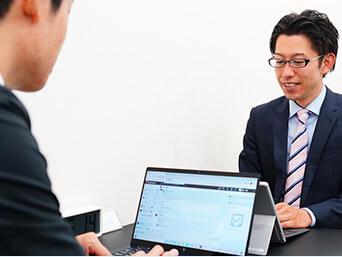 提携先である他士業の専門家とも連携をとっています。 チームとしてお客様の経営課題に向き合う姿勢をとっておりますので、税務・会計だけではなく、経営全般に渡って相談に乗ることが可能です。
